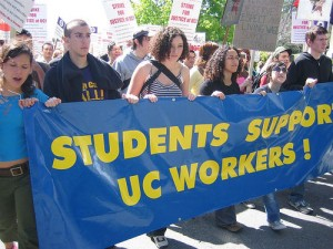 Students support UC Workers in April 2005