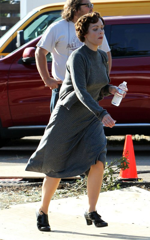 Ever-so-flattering paparazzi shot of Fiona Dourif ('True Blood') on set.